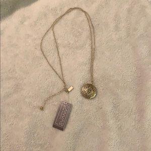 Canvas necklace